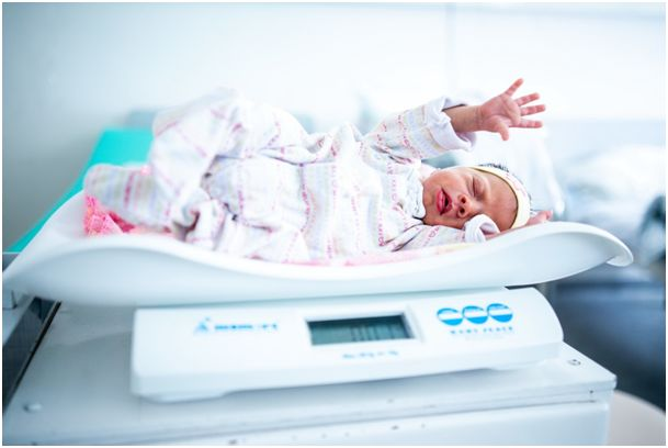 A koraszülöttek szoptatása minden szülő számára nagy kihívás, legfőbb kérdés mennyit eszik egy koraszülött…