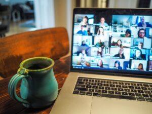 a koraszülésben érintett családok virtuális beszélgető csoportja